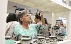 Shoppers find treasures, no fleas at Humane Society market - w/photos #VeroBeach #IndianRiverCounty