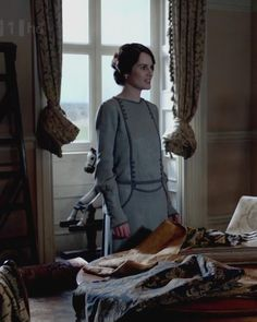 Downton Abbey, Mary picking out wallpaper.