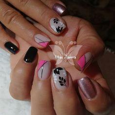 French Nails, Manicure And Pedicure, Snail, Cute Nails, Hair And Nails, Nail Designs, Nail Art, Beauty, Glitter Nails