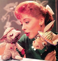 Puppeteer SHARI LEWIS with Lamb Chop and Charlie Horse. Clipping. (minkshmink)