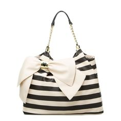 OMG! I am in L.O.V.E with this bag!! Bow Licious - ShoeDazzle