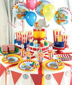 All the fun of the #circus at your #party!