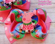 Clip de arco de pelo apilado de Peppa Pig por Boutiqueofbeauty