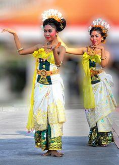Bali Danse traditionnelle  Service Solahart Jakarta 081284559855  web:  http://www.solahartresmi.blogspot.com