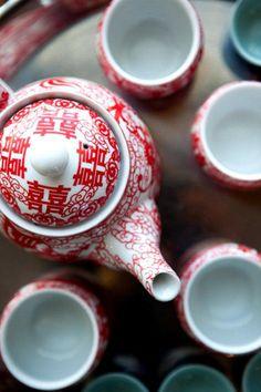 Double-happiness on the outside, but also double-happiness on the inside, mmmm… Chinese Tea Set, Chinese Menu, Feng Shui, Tea Art, Tea Ceremony, Wedding Designs, Tea Time, Wedding Inspiration, Wedding Ideas