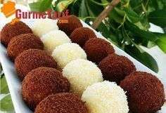 recipe Yummy semolina balls recipe accompanied by a wonderful presentation. Here& an easy dessert recipe. Semolina balls are one of the most famous desserts of the recent period. Gourmet Recipes, Dog Food Recipes, Cake Recipes, Dessert Recipes, Cooking Recipes, Famous Desserts, Easy Desserts, Mousse Au Chocolat Torte, Healthy Donuts