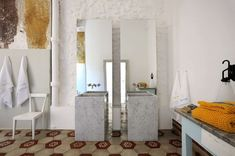 Unique wash sinks | Capri Suite, a maison de charme at Capri, Italy by ZETASTUDIO Architects |