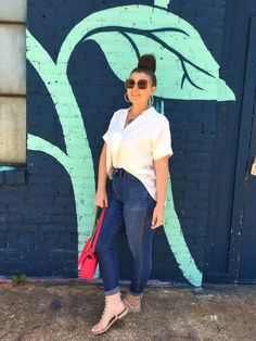 MAXIMIZE YOUR WARDROBE: 14 WAYS TO WEAR HIGH WAIST SKINNY JEANS White Outfits, Stylish Outfits, Summer Outfits, Fashion Outfits, Women's Fashion, Modelos Plus Size, Preppy Style, Casual Chic, Plus Size Outfits
