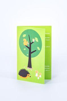 geboortekaartje Hasse: vrolijk, bos, jongen of meisje, dieren, egel, paddenstoel, boom, eekhoorn, uil, groen,
