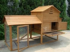 Building a Chicken Coop - chicken coop plans for 12 chickens Building a chicken coop does not have to be tricky nor does it have to set you back a ton of scratch. Small Chicken Coops, Chicken Coop Designs, Chicken Coop Plans, Building A Chicken Coop, Diy Chicken Coop, Backyard Poultry, Backyard Chicken Coops, Chickens Backyard, Chicken Pen