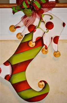 Holiday Door Signs www. i love this shape stocking. Christmas Canvas, Christmas Paintings, Christmas Door, Christmas Projects, Winter Christmas, Holiday Crafts, Christmas Holidays, Christmas Decorations, Christmas Ornaments