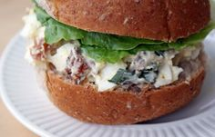 Le plus récent Absolument gratuit egg salad sandwich dinner Suggestions Egg Salad Sandwiches, Wrap Sandwiches, Recipes Appetizers And Snacks, Healthy Salad Recipes, Egg Recipes, Great Recipes, Tapas, Dinner Suggestions, Bacon Egg