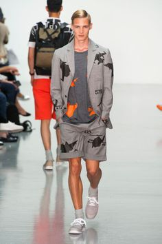 London FW S/S 2015 - Christopher Raeburn See all fashion show at: http://www.bookmoda.com/?p=9611 #summer #SS #catwalk #fashionshow #menswear #man #fashion #style #look #collection #london #fashionweek #christopherraeburn @Christopher Raeburn