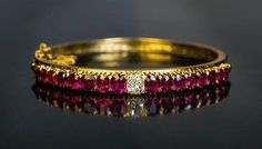 Gold bracelets, bangles and cuffs, learn strong looks and modern visuals. gold bracelets for women indian 14k Gold Bangle Bracelet, Bracelet Antique, Sterling Silver Bracelets, Antique Jewelry, Gold Jewelry, Fine Jewelry, Ruby Bracelet, Vintage Jewelry, Jewelry Making