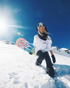 Hit the Slopes / snowbaord / womens snowboarding / discountedsunglas. - Hit the Slopes / snowbaord / womens snowboarding / discountedsunglas… Hi - Snowboarding Style, Snowboarding Women, Apres Ski Outfit, Summer Vacation Spots, Fun Winter Activities, Snowboard Girl, Snow Outfit, Snow Bunnies, Winter Hiking