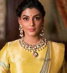 Anisha Amborse Kundan Polki Necklace
