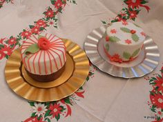 little christmas cakes