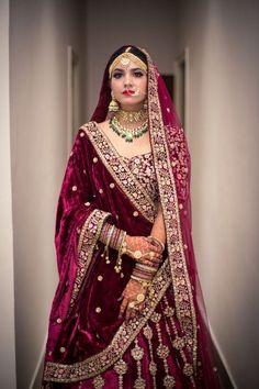 Indian Bridal Photos, Indian Bridal Outfits, Indian Bridal Fashion, Indian Fashion Dresses, Indian Designer Outfits, Indian Bridal Lehenga, Pakistani Bridal Dresses, Wedding Lehenga Designs, Latest Bridal Lehenga Designs