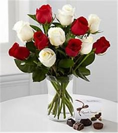 Holiday Rose Arrangement | Holiday Flowers Delivery | Christmas Arrangement | San Diego, CA