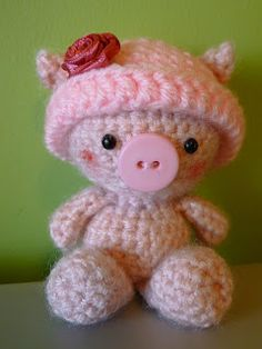 inspired use of button! Amigurumi Pig