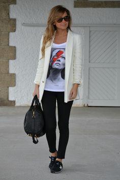 blazer + graphic tee + tennis shoes = I like it