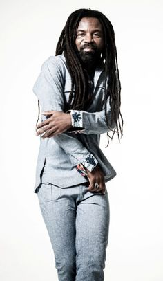 Rocky Dawuni crowned 'Artiste of the Year' at Bass Awards 2016 | Beenie Words