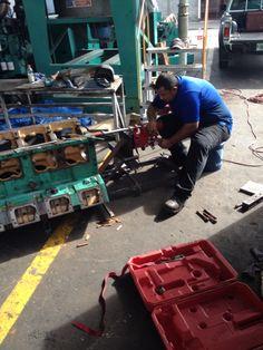 Rectificado de cuna de buje para ajuste de eje de engranaje de Motor K50
