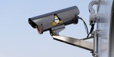 Need to set up a DIY security webcam system on your Linux system? These six Linux-compatible clients are ideal, and will suit DIY security cam projects of all sizes. Best Home Security Camera, Home Security Tips, Wireless Home Security Systems, Security Products, Security Companies, Security Service, Security Surveillance, Security Alarm, Surveillance System