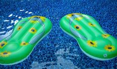 I couldn't resist these flip flop floats that I found at Publix in Florida - of course I couldn't buy just one.