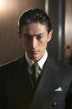 Yusuke Iseya as Jiro Shirasu Character Bank, National Theatre, Japanese Men, Asian Actors, Interesting Faces, Male Face, Good Looking Men, Pretty People, Character Inspiration