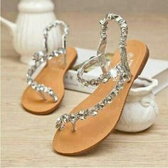 Zapatos de mujer - Womens shoes - Every Bride Will Love to Wear These Wedding Flat Sandals Cute Sandals, Cute Shoes, Me Too Shoes, Shoes Sandals, Flat Sandals, Rhinestone Sandals Flats, Dress Shoes, Summer Sandals, Comfy Shoes