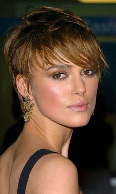 Frankie Sandford Becomes One Of Our Favourite Hair Icons Of 2010 With Her Cropped Hairstyle