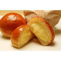 IRIEの代表的なクリームパン 尼崎が本店 梅田の大阪駅大丸にも店舗有り