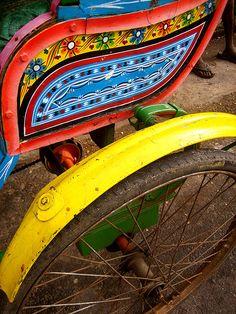 cycle rickshaw painting in Pondicherry.
