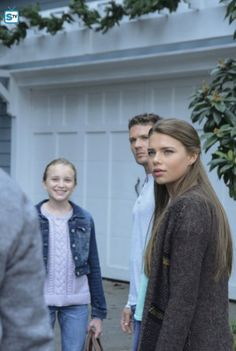 Ryan Phillippe, Indiana Evans, and Belle Shouse in Secrets and Lies H2o Mermaids, Indiana Evans, Secrets And Lies, After Movie, Popular Shows, Shadow Hunters, Episode 5, Tv, Picture Photo
