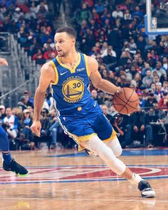 of the Golden State Warriors before the game against the Detroit Pistons on December 1 2018 at Little Caesars Arena in Detroit Michigan. Stephen Curry Family, Nba Stephen Curry, Nba Players, Basketball Players, Basketball Quotes, Nba Basket, Star Trek Posters, Wardell Stephen Curry, Stephen Curry Basketball