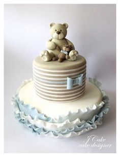 EDITOR'S CHOICE (02/24/2014) Gold and pink flourish by JCake View details here: http://cakesdecor.com/cakes/116109-sweet-teddy-bears