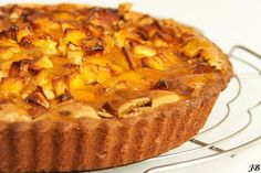 Apple Marzipan Cake with Apricot Jam Delicious Cake Recipes, Yummy Cakes, Yummy Food, Dutch Recipes, Sweet Recipes, Cake Cookies, Cupcake Cakes, Mini Key Lime Pies, Sweet Bakery