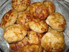 """ЛЮБИМЫЕ """"СЕКРЕТНЫЕ"""" КОТЛЕТКИ  Ингредиенты:   1-1,5 кг фарша (у меня свинина+говядина)  3-4 средних картошины ( сырые )  3-4 луковицы  1 булочка (или белый хлеб)  1 яйцо  молоко  соль , перец , горчица , растит. масло  Приготовление:  Картофель и лук измельчить в блендере (можно пропустить через мясорубку).Булочку (хлеб) разломать на кусочки и замочить в молоке , чтобы они полностью были им покрыты . Дать хлебу набухнуть , впитать в себя жидкость. Не отжимая молоко добавить хлеб в фарш , я…"""