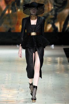 Alexander McQueen Ready-to-Wear S/S 2013 gallery - Vogue Australia