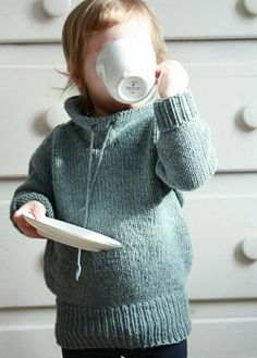 Baby Pullover lang warm herrlicher Look Baby Knitting Patterns, Knitting For Kids, Knitting Projects, Crochet Projects, Crochet Patterns, Start Knitting, Knitting Needles, Knitting Yarn, Crochet Baby