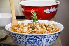 Direttamente dalle mani di Paola Maugeri, abbiamo preparato il ragù di seitan, piatto vegano estrapolato dalla cucina classica italiana.
