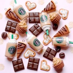 colar starbucks frappuccino - frappé charms, chocolate, coffe, mocca, cappuccino miniature necklace and keychain Cute Polymer Clay, Cute Clay, Polymer Clay Charms, Diy Clay, Starbucks Frappuccino, Vanilla Frappuccino, Frappe, Diy Crafts For Girls, Cute Crafts