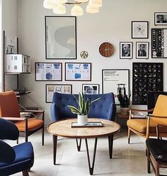 Morning picture from one of our favourite places  If you haven't visited @hotel_alexandra yet, now is the time! Classic Danish designs in every room. Here it is a glimpse of the beautiful lobby including a Poet and a Pelican!  . . #onecollection #onecollection_finnjuhl #finnjuhl #danishmodern #danishdesign #danishfurniture #hotelalexandra #classicdesign #poetsofa #pelicanchair #copenhagen #midcenturymodern