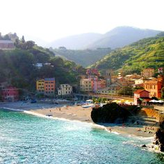 Monterroso al mare... the town where I woke up to waves crashing outside my window <3
