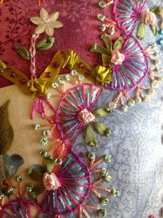 Wonderful Ribbon Embroidery Flowers by Hand Ideas. Enchanting Ribbon Embroidery Flowers by Hand Ideas. Embroidery Designs, Embroidery Art, Quilting Designs, Embroidery Stitches, Quilting Templates, Quilting Ideas, Embroidery Bracelets, Simple Embroidery, Crazy Quilt Stitches
