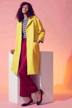 Novis Fall 2016 Ready-to-Wear Collection Photos - Vogue Fall Fashion 2016, Fashion 2017, Fashion News, Fall Winter 2016, Yellow Coat, Vogue, Work Chic, Fashion Shoot, Fall Outfits