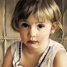 Baby, pastel chalk portrait by Simone Bingemer