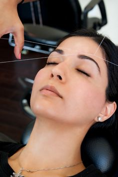 Apart from scent, one other feature that people remember is the eyebrows! Whether you like them thick or thin, taming is the trick of the game. #threading #eyebrows #beauty #routines