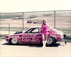 Vintage Drag Racing - Pro Stock - Bunny Burkett, a former Playboy Bunny who later drove alcohol Funny Cars with her Ford Pinto. Ford Pinto, Nhra Drag Racing, Auto Racing, Auto Retro, Old Race Cars, Vintage Race Car, Drag Cars, Car Humor, Hot Cars